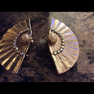 Vintage fan design earrings
